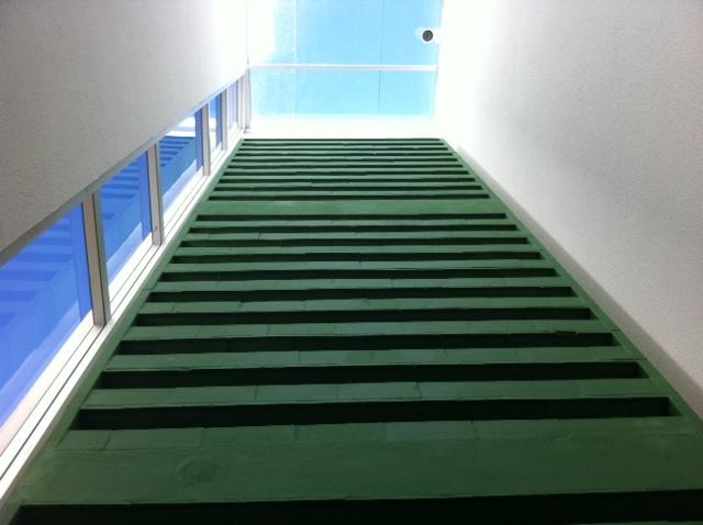Pintura dos blocos cerâmicos na cor verde